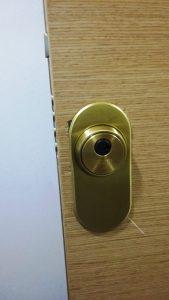 cerrajeros-valencia-baratos-24horas-urgentes-puerta-robo-reparada