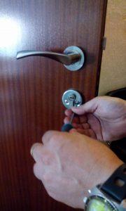 cerrajeros-valencia-centro-reparacion-cerradura-3