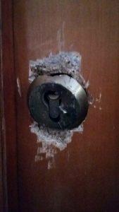cerrajeros valencia patraix - reparación puerta forzada